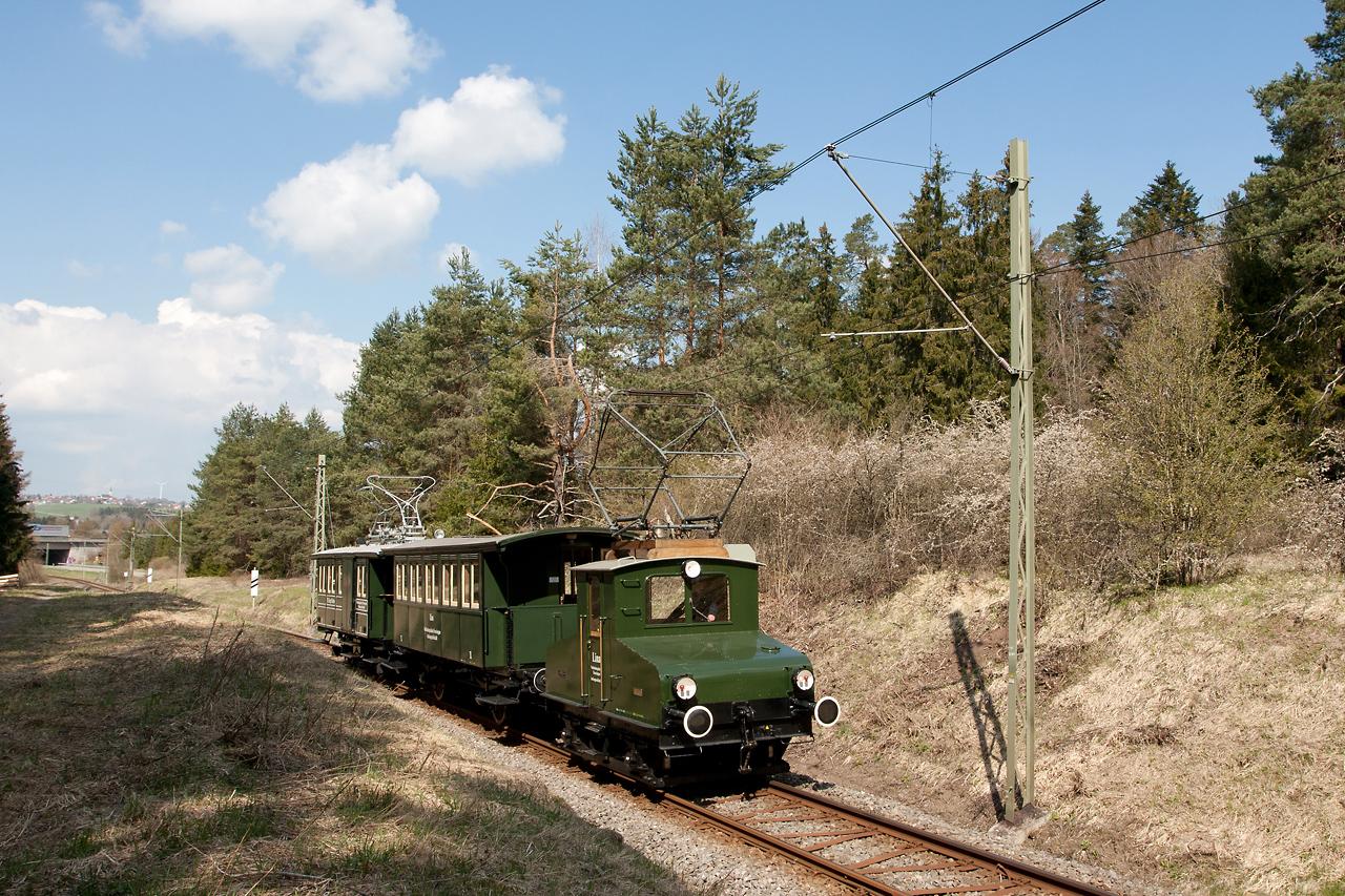 https://www.trossinger-eisenbahn.de/pics/20210421_gruen.jpg